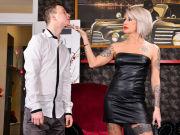 GILF Kathy shows Nikki Nuttz some kinky tricks