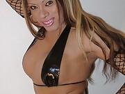 Inndian shemale posing in bikini and naked