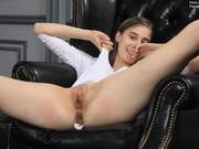 Skinny flexible babe Klara Lookova aka Amelinda Luna doing sexy gymnastics