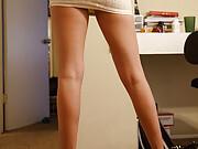 Aubrey Snow shows off her sexy long legs