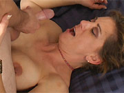 Busty amateur mature blonde fucks with the guy a bed
