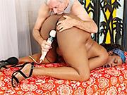 Ebony plumper gets naked and enjoy an orgasmic sex massage