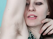 Hairy Ariadna Moon prefers hot sex over chess today