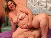 Fat mature hottie CC giving a blowjob and getting pussy drilled on bed