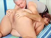 Chubby beauty gets naked and enjoys her pussy being massaged by a masseur