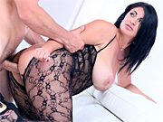 Curvy milf bounces her booty up and down on a massive shaft