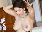 Big Tits Amateur Milf First Time Porn
