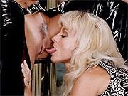 Classic lesbo porn with Nina Hartley