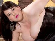 Hot brunette plumper Kamille Amora loves showing her boobs
