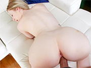 Blonde chick devours a juicy cock at the porn audition