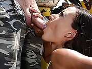 Europornstar Cassie Del Isla outdoors double blowjob