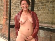 Mature exhibitionist flashing and outdoor amateurs