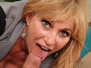 Amateur Milf Going Ass To Mouth With Glass Dildo