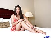 Dark Haired MILF Stunner Olivia Wilder