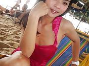 Syper cute Thai Ladyboy at the Beach in Pattaya getting naked