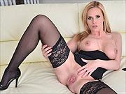 Blonde milf Lili Peterson in stockings