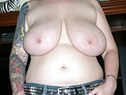 Big Breasted Amateur Mature Woman Spreading Her Plump Ass