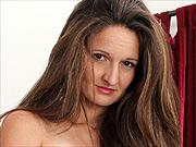 Milf beauty Tiffany Texas masturbates